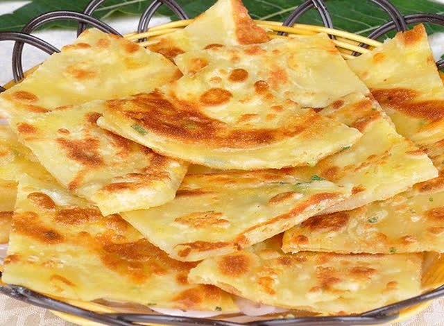 ?_餃子皮也能做出美味蔥油餅,手把手教給您!