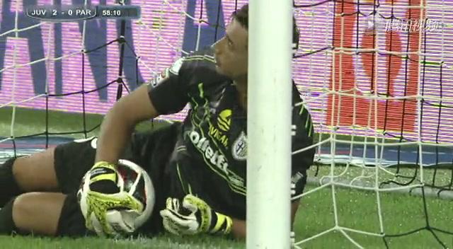 进球视频:皮尔洛任意球攻门 门将扑救只恨晚