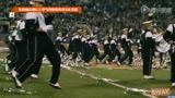 实拍俄亥俄比大学气势恢宏的军乐队表演