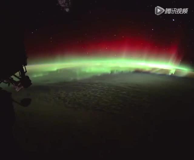 从太空看美丽的南极光截图