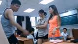 年度爆笑视频:美女大学生用卫生巾占座