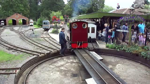 朗利特野生动物园窄轨蒸汽和柴油火车
