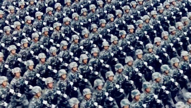 老外给中国阅兵配乐,好莱坞大片既视感!