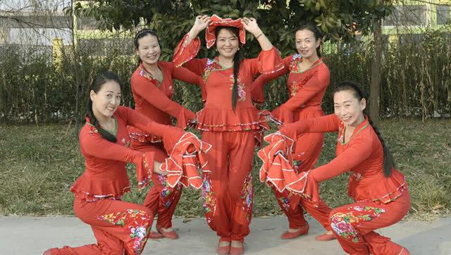 糖豆广场舞 阿里山的姑娘hr16