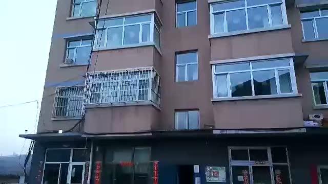 青岛海信广场 圣诞精灵小c 萌萌首秀