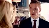 《黑金杀机》片段 法斯宾德向娜塔莉・多默尔买性感内衣