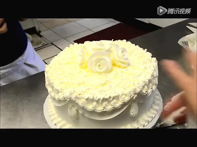 婚礼唯美蛋糕制作过程