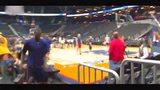 NBA球员花式投篮集合:马努脚球空心库里魔兽全场三分头像