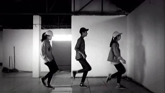 2016年很火爆的舞蹈神曲《seve》动感的音乐配流畅的舞步图片