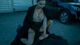 黑丝御姐组队猎杀吸血鬼 发功前需男女双修?