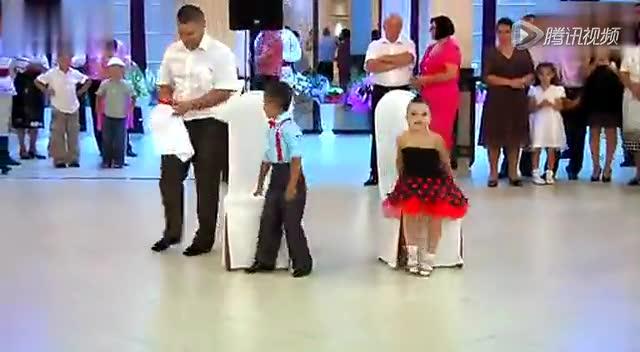 外国小孩跳拉丁舞
