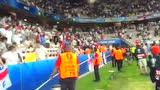 三狮秒变三猫 英格兰球迷把掌声送给冰岛队