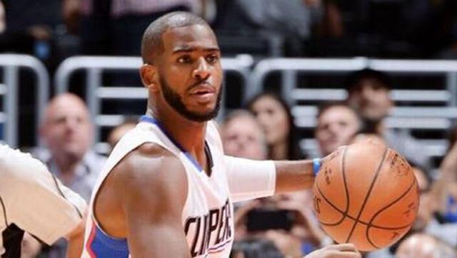 NBA中文网1月27日讯 雷霆前往客场挑战尼克斯,第三节结束,他们以88-91落后。杜兰特拿到24分9个篮板5次助攻,韦少拿到22分5个篮板6次助攻,尼克斯方面兰斯-托马斯拿到16分3个篮板,波尔津吉斯得到12分4个篮板。  杜兰特背打 下半场上来,杜兰特和韦斯布鲁克相继暴扣得手,波尔津吉斯造犯规两罚全中,两支球队在进攻端仍然形成拉锯战的模式,罗宾-洛佩兹在本节还剩9分15秒时暴扣得手,尼克斯以71-67领先。 在本节中段,雷霆开始发力,韦斯布鲁克冲入禁区上篮得手,杜兰特飙中三分,雷霆打出一波12-2的攻