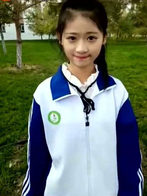 穿校服的中学生,如此清纯漂亮,以后就叫你校服妹吧!图片