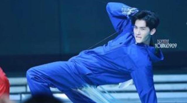 杨洋李沁跳街舞的视频,男明星戴帽子 杨洋很酷,鹿晗如沐春风,千玺