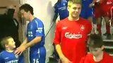 利物浦时期的杰拉德遭到切尔西小球童戏耍!萌人一脸!头像