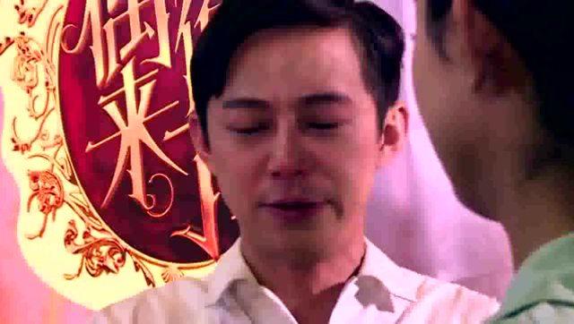 头一回看到何炅在后台落泪,把赵丽颖,谢娜心疼坏了图片