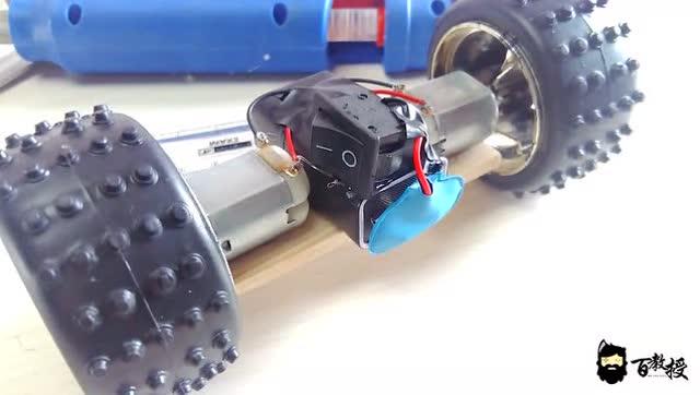 废物利用小发明,diy动力平衡车