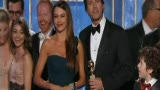 第69届金球奖电视喜剧类最佳剧集《摩登家庭》