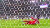 巴黎4-2夺三冠 伊布2传1射卡瓦尼破门头像