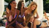 正片9:超模海滩畅谈同伴趣事 泳池集体上演激情一刻