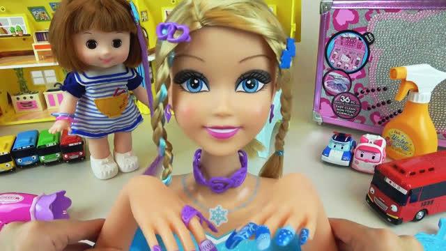 娃娃梳头卡通图片