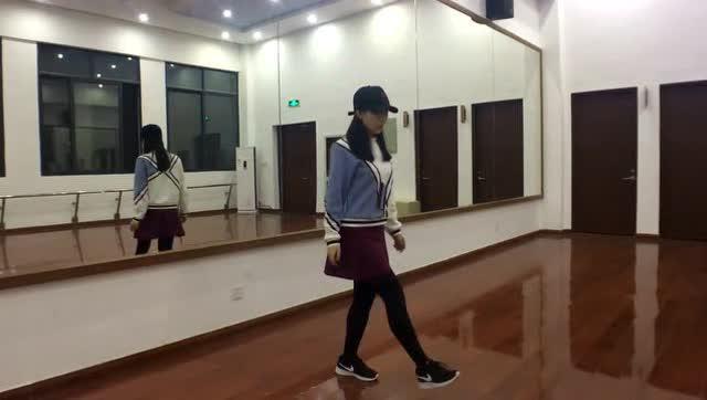 李小璐,薛之谦,tfboys《seve》舞步镜面舞蹈教学,中文解说!图片