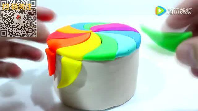 小红蛋蛋玩具:橡皮泥做一个漂亮的调色盘给粉红猪小妹用