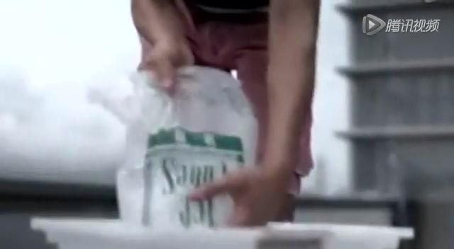周杰伦接力刘德华冰桶挑战 矛头直指方文山截图
