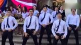 泰国某公司员工跳神曲《用你的真心换我的电话号码》走红网络