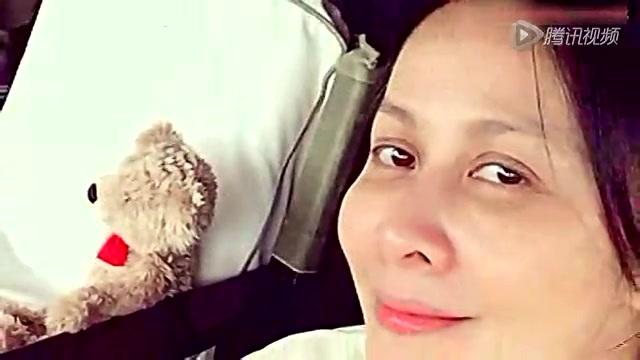 48岁刘嘉玲素颜现身 眼纹绽放