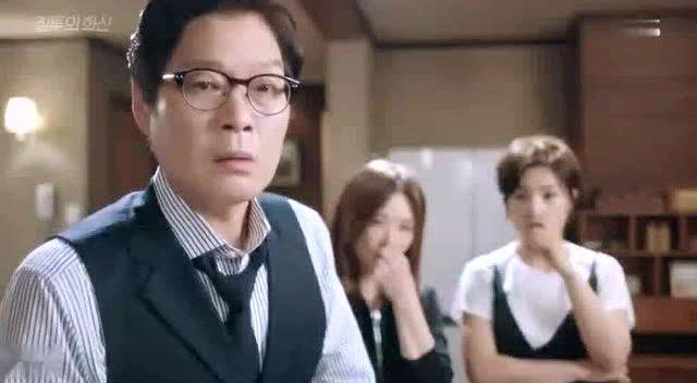韩国电影《肚脐》片段