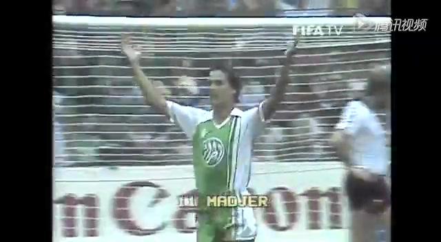 交手回顾!82年世界杯德国1-2阿尔及利亚截图