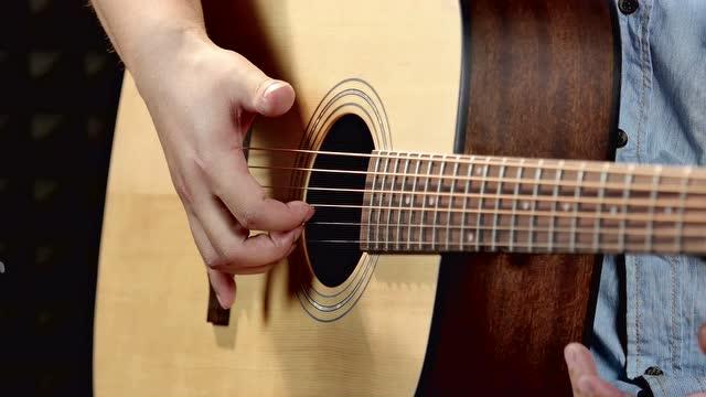 自学吉他入门零基础第1课 关于吉他的演奏方式