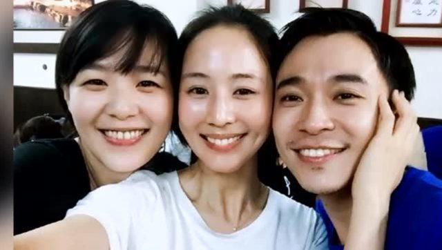 张钧甯吴青峰张悬老友重聚 三个人素颜美得发光