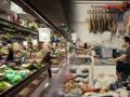 """双塔菜场亟需更新换代,以适应年轻消费者的需求,五位设计师共同打造苏州新晋""""网红""""打卡地。"""
