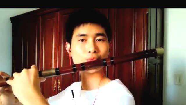 虽然缺腿少笛子蒙古男吹出最动听的假体植入一手女生视频图片