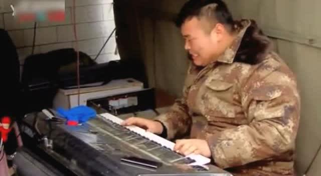 大叔电子琴独奏《赛马》,比二胡版还要好听!