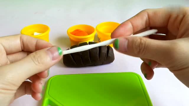 【玩具妙妙屋】日本食玩|橡皮泥手工制作巧克力面包|培乐多彩泥超轻