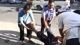 北京大兴摔女童事件_北京男子重摔女童经过曝光:多人曾阻止凶手逃逸_新闻_腾讯网