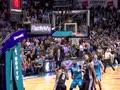 24日最佳运球:沃克一条龙杂耍折叠上篮
