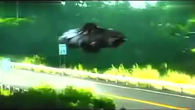 2016年9月在法国科西嘉岛 闪电击落UFO的完