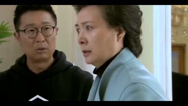 继父操我妈_康妮:他是我继父,罗大佐母亲:我是他继母!