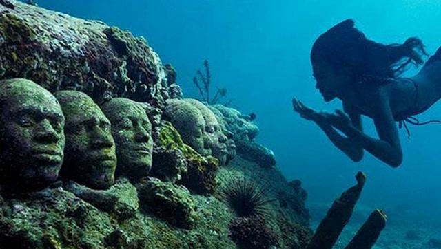 潛水員在海底發現神秘人臉,真相讓人感慨不已圖片