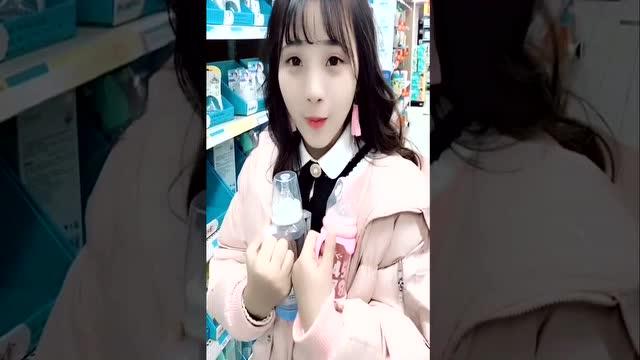 懵懂的表妹50p_呆萌表妹:没有给表妹买糖的后果,我被她的表情给吓着了
