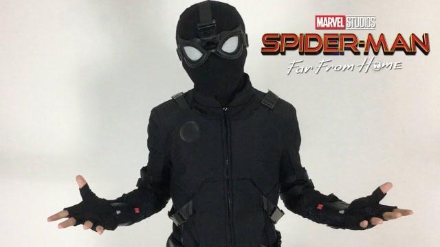 试穿蜘蛛侠夜行战衣,上身效果太酷了