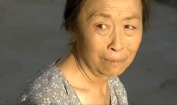 农村老太太性交视屏_农村老太太搬出豪宅去当保姆,看着让人心酸