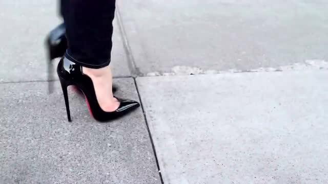 穿15厘米高跟鞋什么感受,看完你就知道圖片