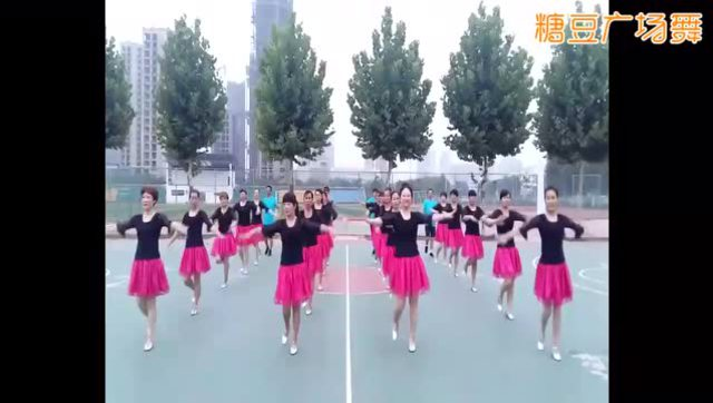 场舞今夜舞起来分解动作_广场舞蹈今夜舞起来含背面分解教程广场舞教学视频动动健身舞